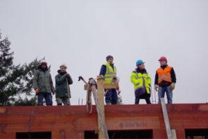 Alto Bâtiment coule la dalle de béton sur le chantier de Gretz