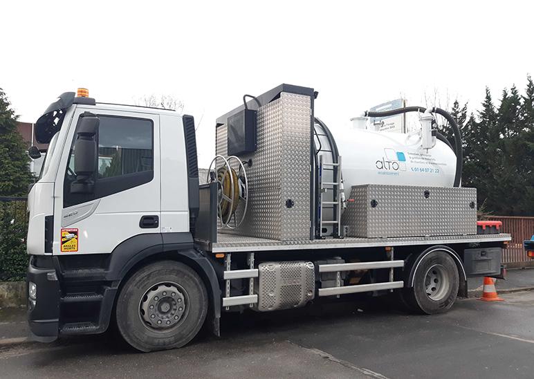 Nouveau camion de pompage pour plus de possibilités !